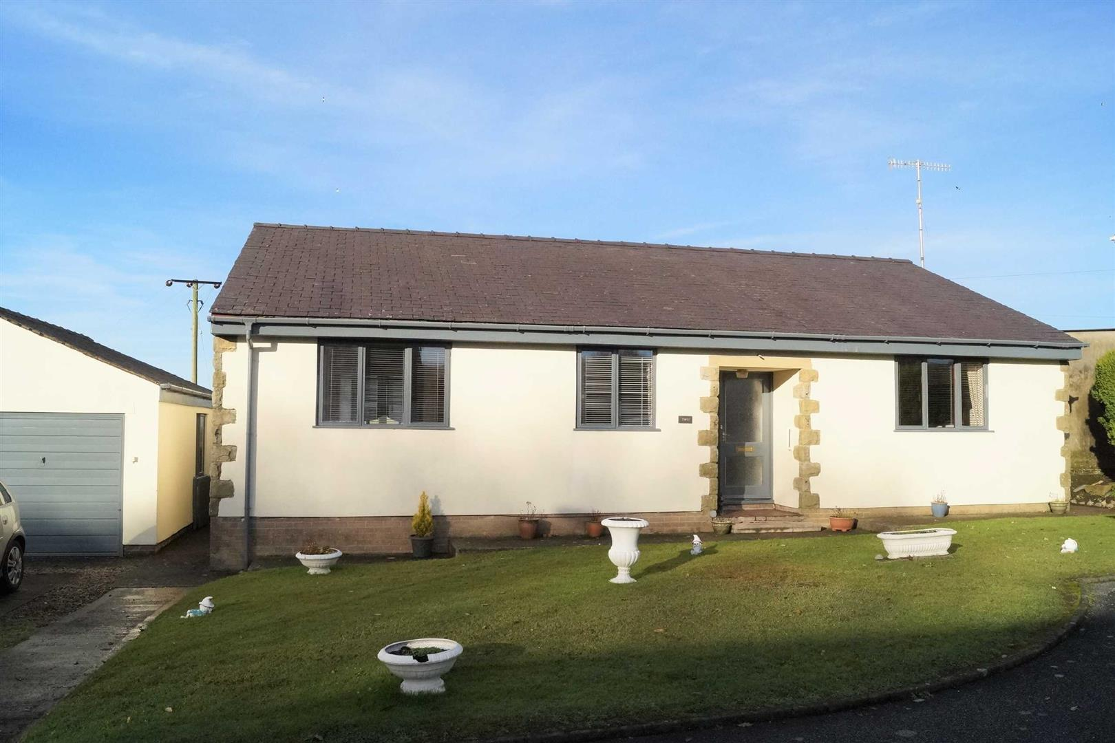 Bro Dwylan, Tudweiliog - £199,950/Reduced to